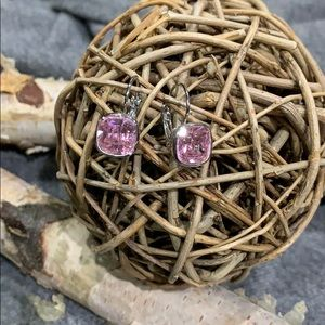Jewelry - Pink crystal lever back earrings